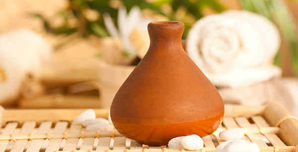 clay-jpot-diffuser-with-essentail-oils